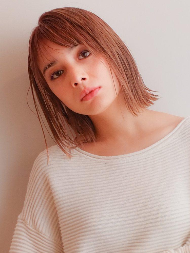 大人 艶髪☆軽やかミディ外はねシースルーボブ武蔵小杉 美容室MOONヘアースタイル写真