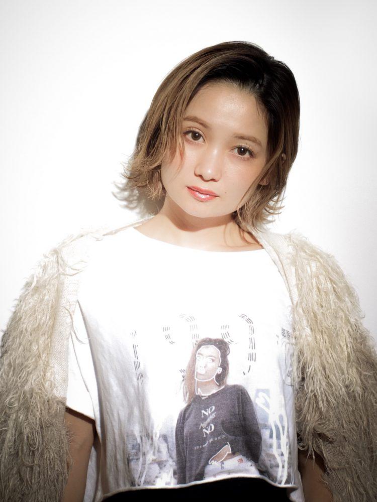 シーンによって変身できる切りっぱなしカジュアルボブ武蔵小杉 美容室MOONヘアースタイル写真