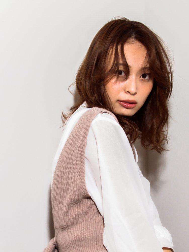 大人かわいいルーズウェーブスタイル3 -武蔵小杉 美容室MOONヘアースタイル写真